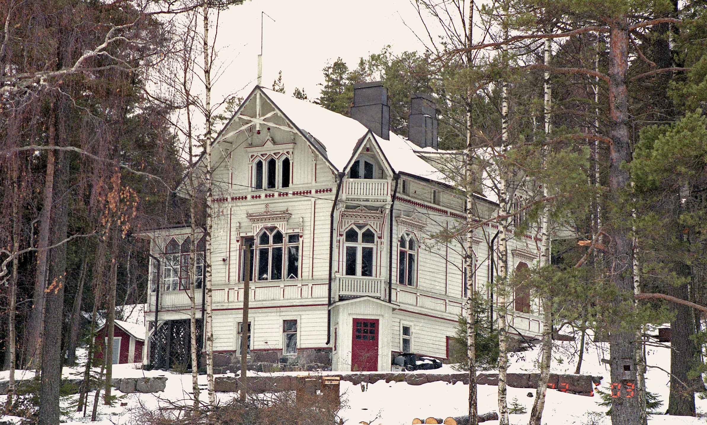 Vartiosaari - Huvila Tirrebo vuodelta 1889. Kuva © Jan Strang 23.2.2003.